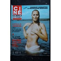 CINE REVUE 1976 n° 33 JOHN WAYNE JEANNE GOUPIL URSULA ANDRESS TOPLESS