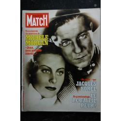 PARIS MATCH N° 1460 Michèle Morgan & Jean Gabin Cover + 10 p. -Carole Laure - Sardou Hallyday Brando - 144 pages - 1977 05 20