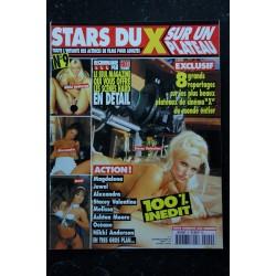LES FILLES DE PLAYBOY 115 HOT WORLD TOUR RETROSPECTIVE LES STARS DE PLAYBOY NEUF