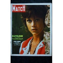 PARIS MATCH N° 1068 25 octobre 1969 BRIGITTE BARDOT cover + 4 p. - Raquel Welsh - Brassens - l'Alcazar - 176 pages