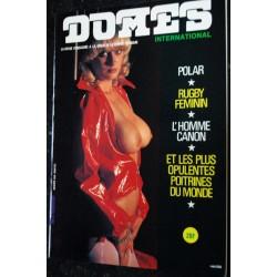 DOMES International 02 N° 2 BUSTY KEATON Nudistes en parachute Seins nus sur la plage 1979